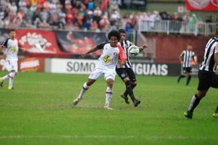 Joinville x Santos (Foto: CARLOS JR/FUTURA PRESS)