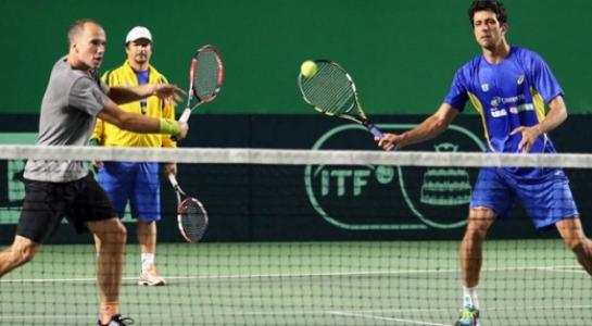 Chuva adia jogo de duplas de Brasil x Japão na Copa Davis