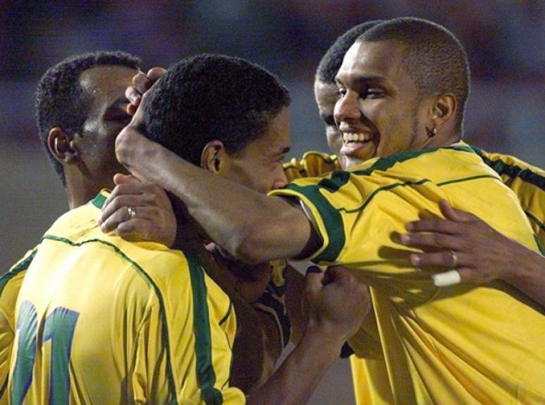 Na Copa América de 1999, o Brasil goleou por 7 a 0 e apresentou para o mundo Ronaldinho Gaúcho