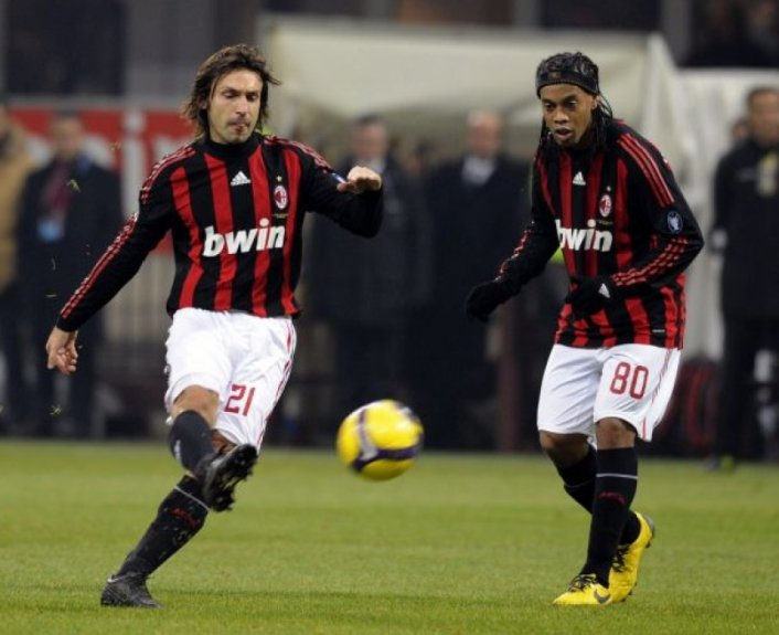 Pirlo e Ronaldinho Gaúcho - Milan (Foto: Damien Meyer / AFP)