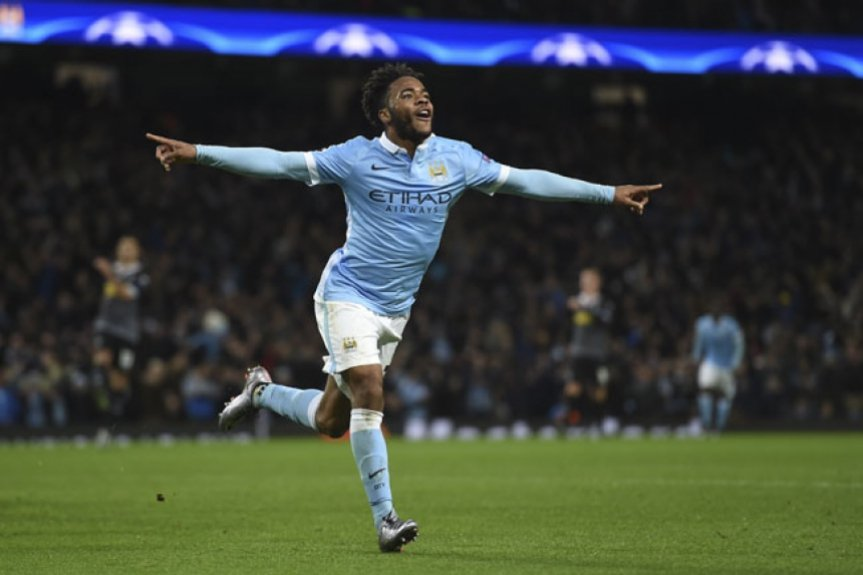 Sterling vem liderando o Manchester City (Foto: Paul Ellis / AFP)