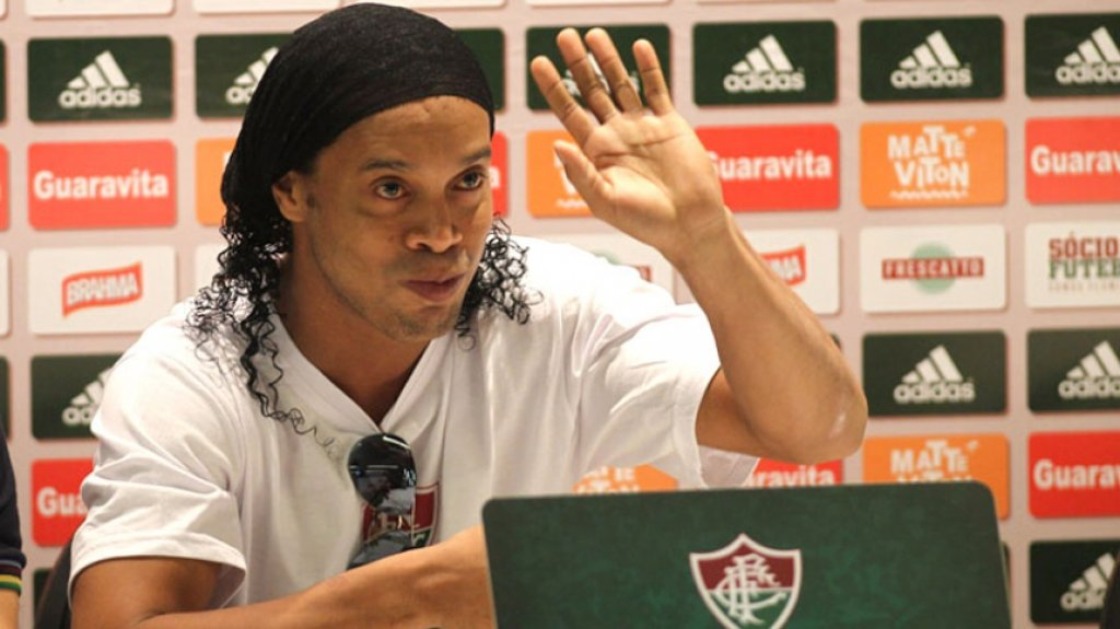 HOME - Ronaldinho é apresentado pelo Fluminense (Foto: Paulo Sérgio/LANCE!Press)