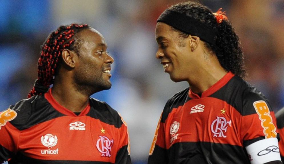Mesmo com Ronaldinho e Vagner Love, o Fla caiu na Liberta-2012 apesar de bater o Lanus