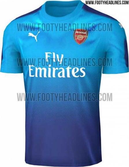 Veja 25 camisas da próxima temporada europeia que já vazaram na ... 1d235b712bfa7