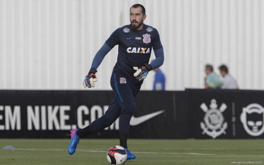 Goleiro Walter, durante treinamento do Corinthians