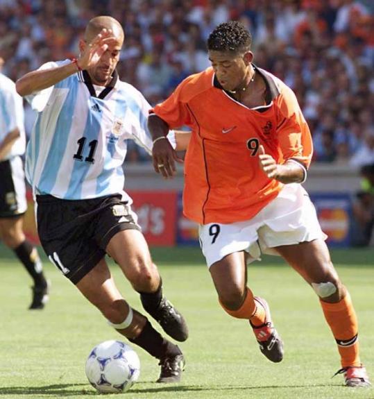 Em 1998 disputou a Copa do Mundo e viu sua Argentina ser derrotada nas quartas de final pela Holanda