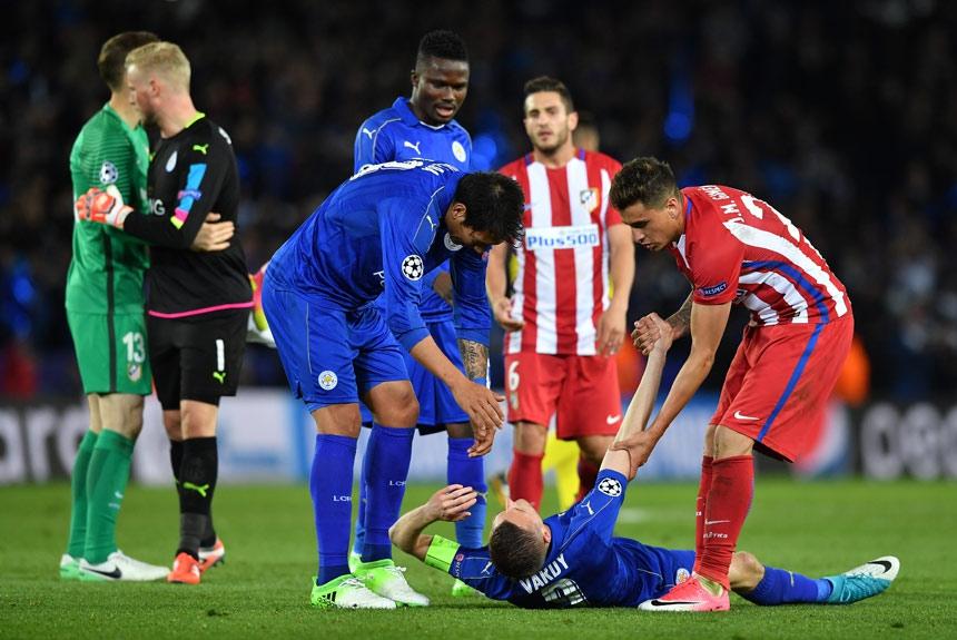Quem viu o sonho dourado acabar foi o elenco do Leicester, que não aceitou muito bem a eliminação para o Atlético de Madrid