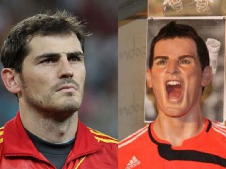 13 - Iker Casillas