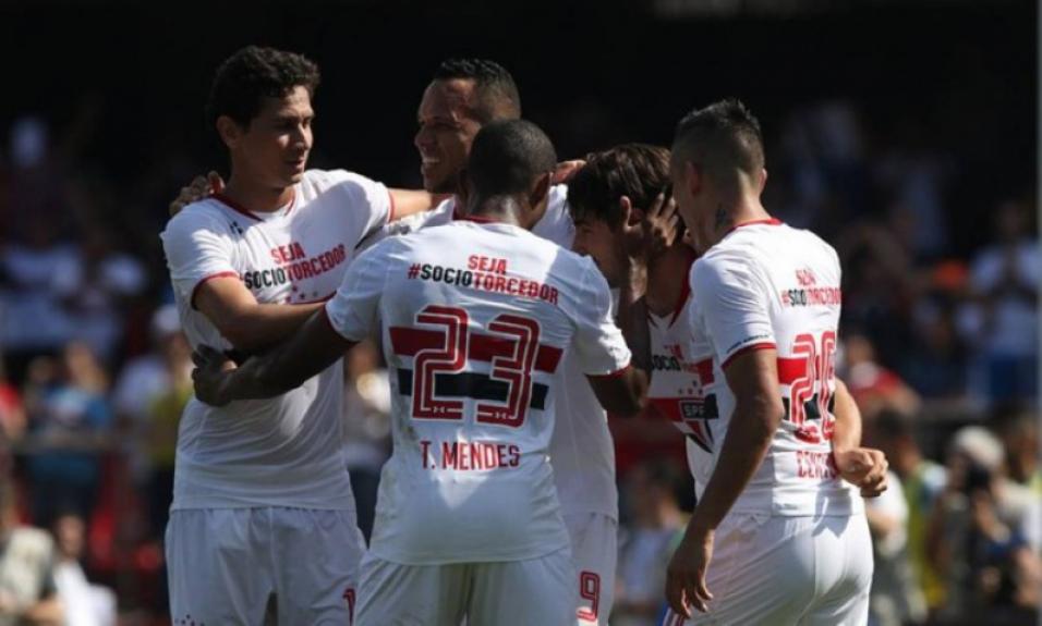 Em 12 de julho de 2015, São Paulo fez 3 a 1 no Coritiba