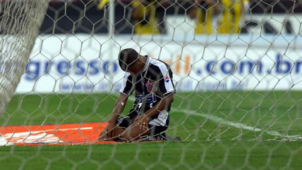 Marcelinho Carioca - Corinthians 2 x 0 São Paulo - Copa Bandeirantes 1994.  O segundo gol olímpico ... ff7b91f41a24c