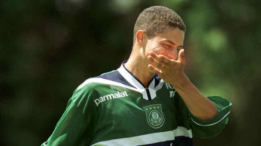 Alex - Corinthians 2 x 2 Palmeiras - Paulistão 2000 9e15e40266a86