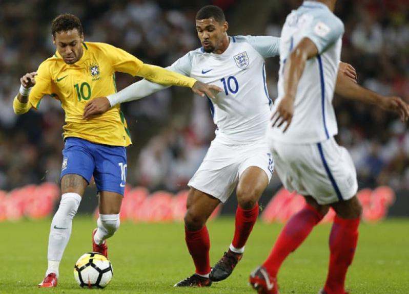 Neymar e Loftus-Cheek - Inglaterra x Brasil