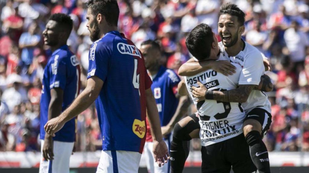 12415cdf2c 3ª RODADA - Flamengo (7 pontos) - O Rubro-Negro assumiu a liderança ao  fazer 3 a 0 no Ceará