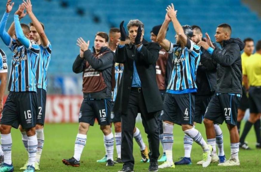 f8843618ac314 Renato Gaúcho vai ganhar estátua! Relembre outros jogadores que ...