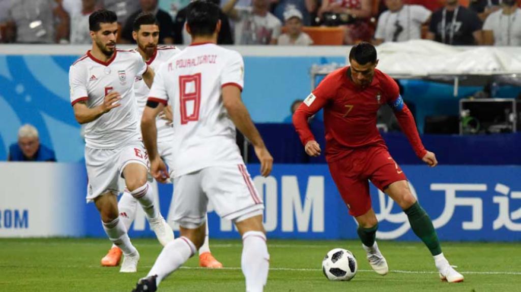 Cristiano Ronaldo tem sete gols em Copas  relembre todas as partidas ... 4d7f0aeb2bc2b