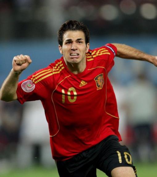8f6521b127 Cesc Fabregas  outro que se aposentou da seleção espanhola após a Copa do  Mundo de 2014. Passou por Arsenal