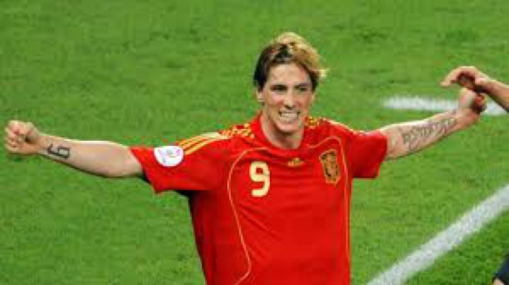 e958a0730b Fernando Torres  defendeu a seleção espanhola até a Copa do Mundo de 2014.  Estava no Liverpool na Eurocopa de 2008 até se transferir para Chelsea
