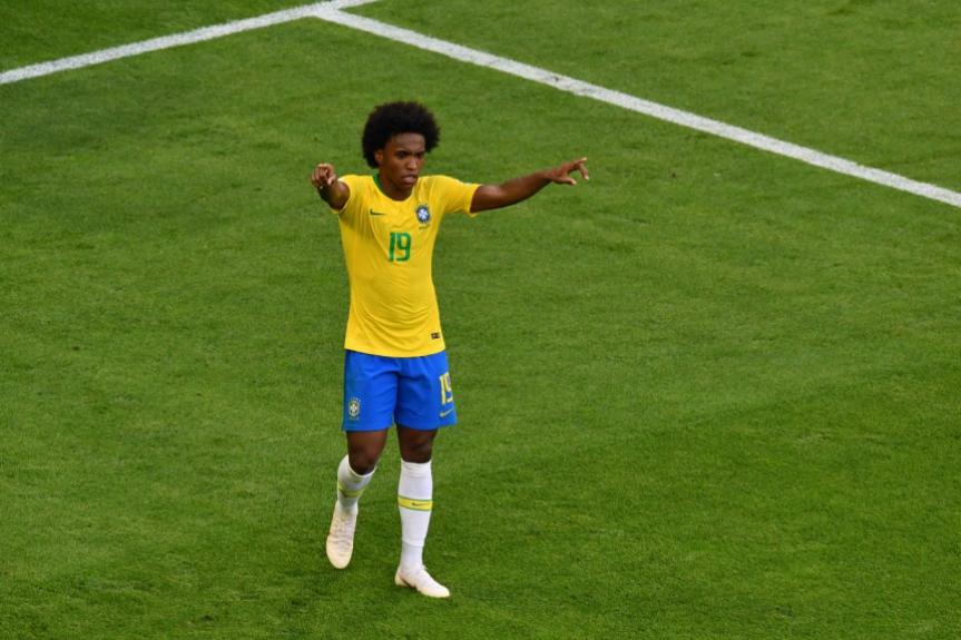 0c8714ba03 ... o Barcelona não desistiu da contratação de Willian e ofereceu 53  milhões de libras ao Chelsea para poder contar com o brasileiro na próxima  temporada.