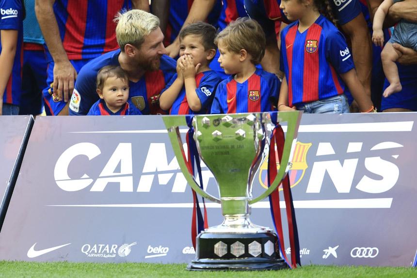 O camisa 10 também tem uma larga galeria de títulos do Campeonato Espanhol. Foram  nove 5b1ee349af345