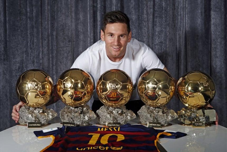 Muita destas 33 conquistas pelo Barcelona proporcionaram a Messi o título  de melhor jogador do mundo 2bb5701fa6ac4