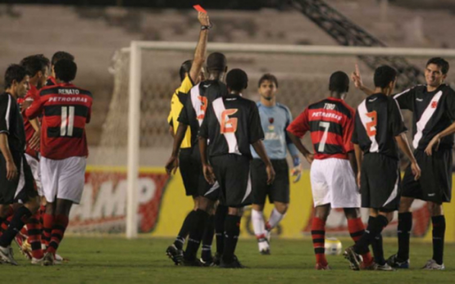 Valdir Papel (Vasco) na final da Copa do Brasil de 2006 x Flamengo