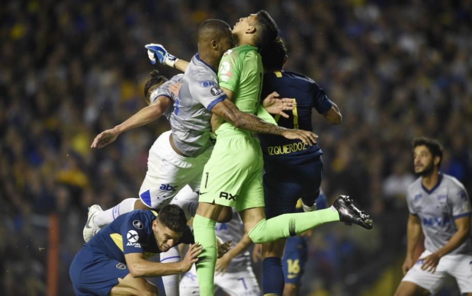 Choque entre Dedé e Esteban Andrada