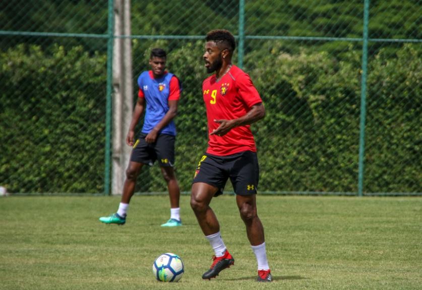 Michel Bastos em treino do Sport