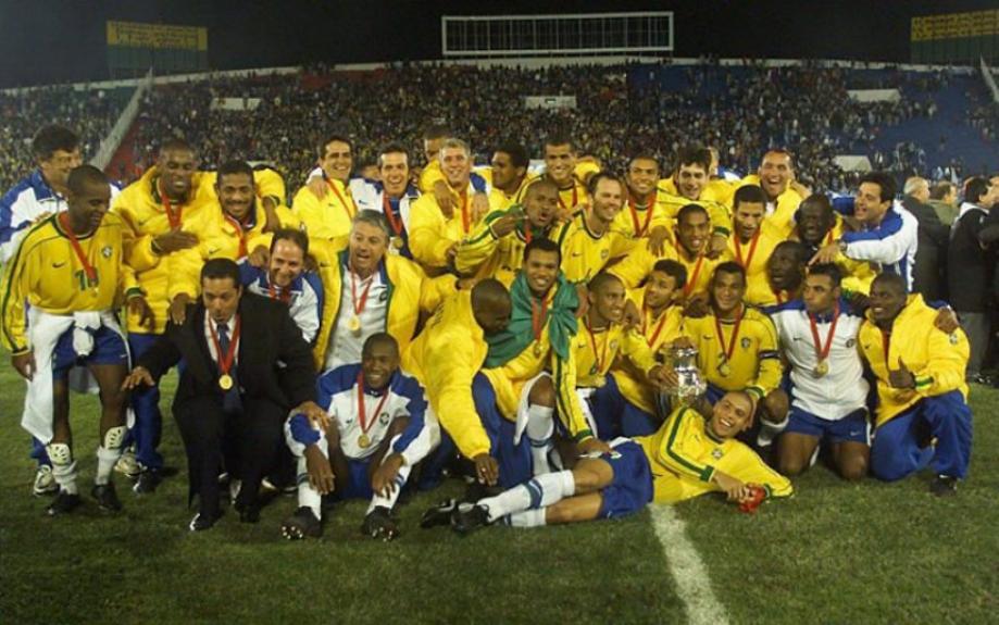 4b8820f2c2 Final da Copa América de 1999 - 18 de julho Brasil 3x0 Uruguai - Assunção