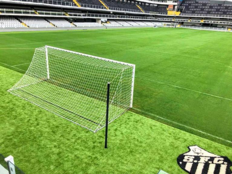 O gramado da Vila Belmiro foi trocado durante a reforma. A expectativa é de um gramado em ótimas condições para a partida de logo mais, pela Copa do brasil.