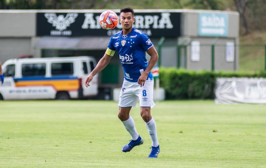 Henrique prega cautela nos confrontos diante do Atlético-MG, pelas finais do Mineiro