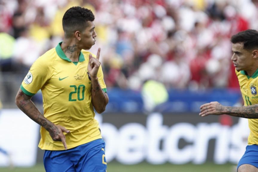 Brasil x Peru - Gol Firmino