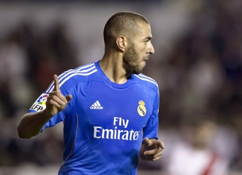 Rayo Vallecano x Real Madrid - Benzema (Foto: Dani Pozo/ AFP)