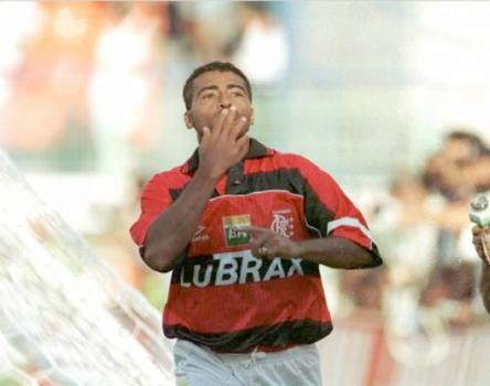 Romario comemora o gol. Foto de Djalma Vassao