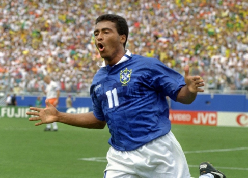 Romário celebra seu gol diante da Holanda, na Copa de 1994