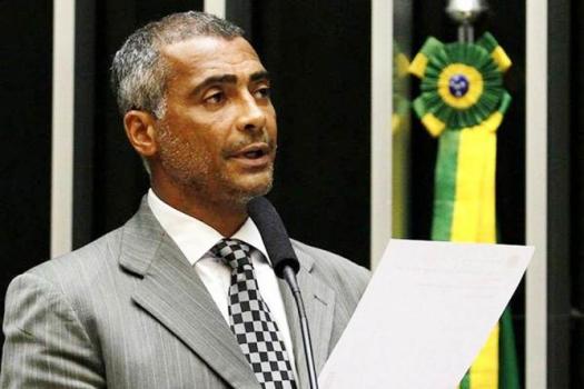 Romário atuando como senador. Baixinho foi eleito após 4.683.963  de votos em outubro de 2014
