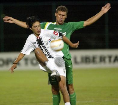 Em 2005, o Palmeiras passou pelo paraguaio Tacuary na primeira fase da Libertadores