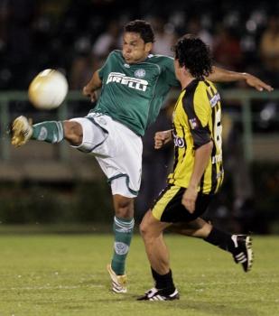 Novamente na primeira fase em 2006, o Palmeiras de Marcinho eliminou o venezuelano Deportivo Táchira