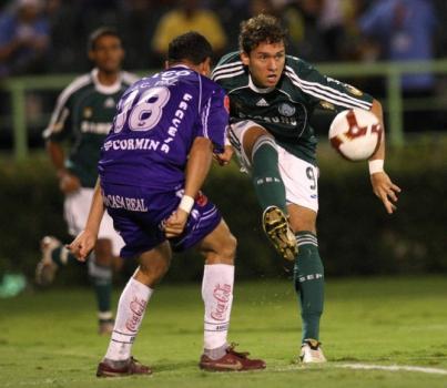 Com Keirrison, o Palmeiras passou fácil pelo Real Potosí em 2009