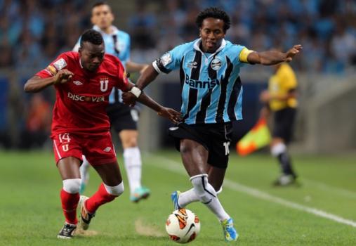 Em 2013, o Grêmio de Zé Roberto teve confronto duro com a LDU