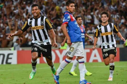 O Botafogo de Wallyson passou pelo Deportivo Quito, do Equador, em 2014