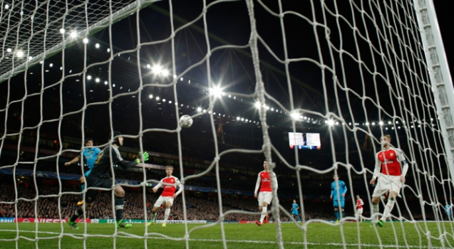Arsenal x Barcelona (foto:ADRIAN DENNIS / AFP)