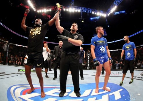 Jon Jones, Gustafsson (FOTO: Getty Images)