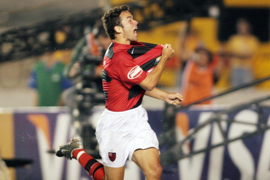 Juan comemora gol na final da Copa do Brasil de 2006 (Foto: Ricardo Cassiano/LANCE!Press)