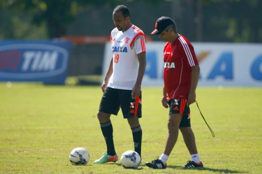 Alecsandro e Ney Franco - Treino do Flamengo (Foto: Bruno de Lima/ LANCE!Press)