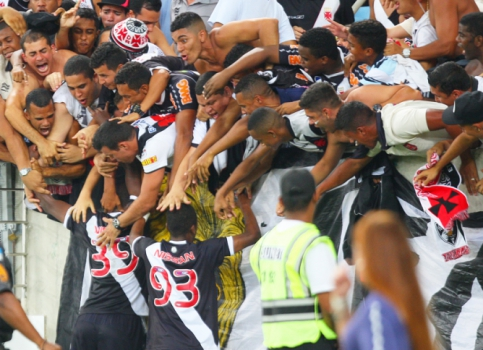 Torcida do Vasco - Maracanã (Foto: Paulo Sérgio/ LANCE!Press)