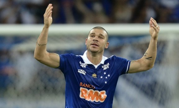 Atlético-PR x Cruzeiro - Nilton (Foto: Washington Alves/Light Press)