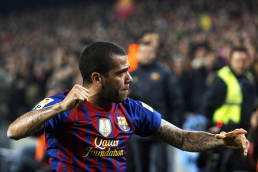Daniel Alves (Foto: Albert Gea/Reuters)