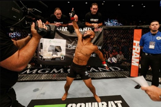 Demetrious Johnson é o dono do cinturão dos moscas(FOTO: UFC)