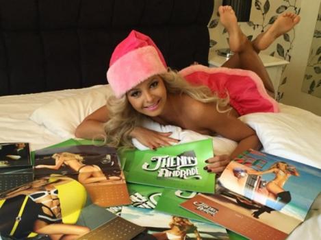 Jhenny Andrade é ring girl oficial do UFC no Brasil (FOTO: Reprodução)