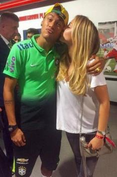 Beatrice Bouchard, irmã da tenista Eugenie Bouchard, foi apontada como affair de Neymar
